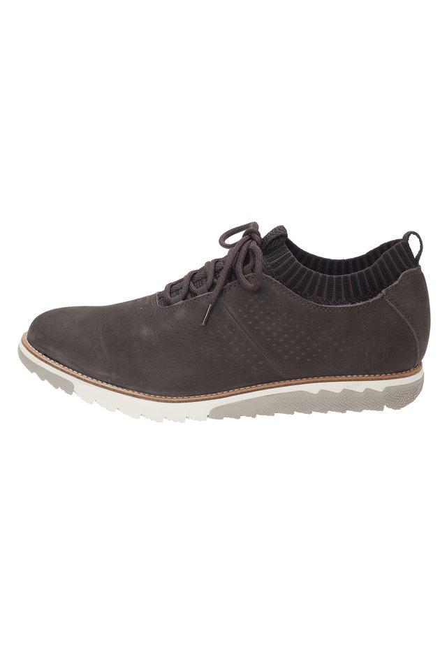 MIT STRICKBÜNDCHEN-DESIG - Sneakers laag - black