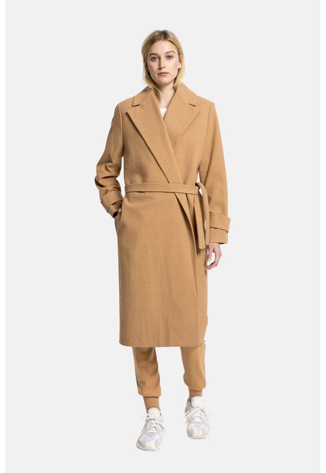 FEMM - Classic coat - beige