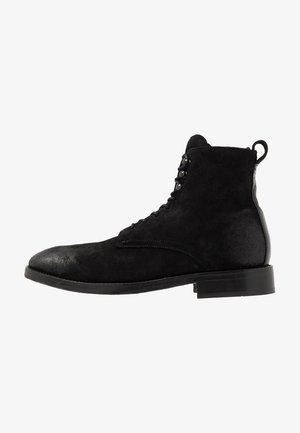 YEW - Snørestøvletter - black