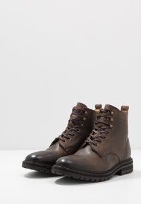 Hudson London - ABLE - Šněrovací kotníkové boty - brown - 2