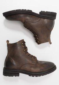 Hudson London - ABLE - Šněrovací kotníkové boty - brown - 1
