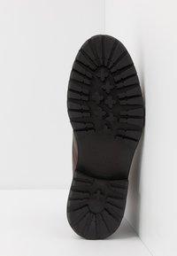 Hudson London - ABLE - Šněrovací kotníkové boty - brown - 4