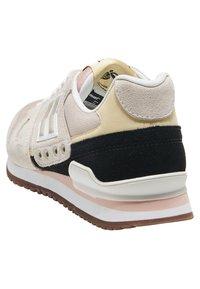 Hummel Hive - MARATHONA - Sneakers - sand dollar - 3