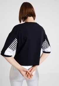 Hummel Hive - CANA - T-shirt med print - black - 2