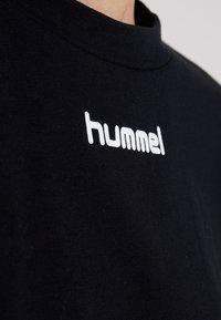Hummel Hive - CANA - T-shirt med print - black - 5