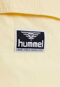 Hummel Hive - CALISTA - Windjack - double cream - 7