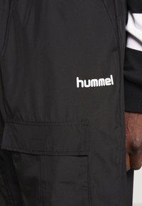 Hummel Hive - OVERSIZED PANTS - Pantalones - black - 4
