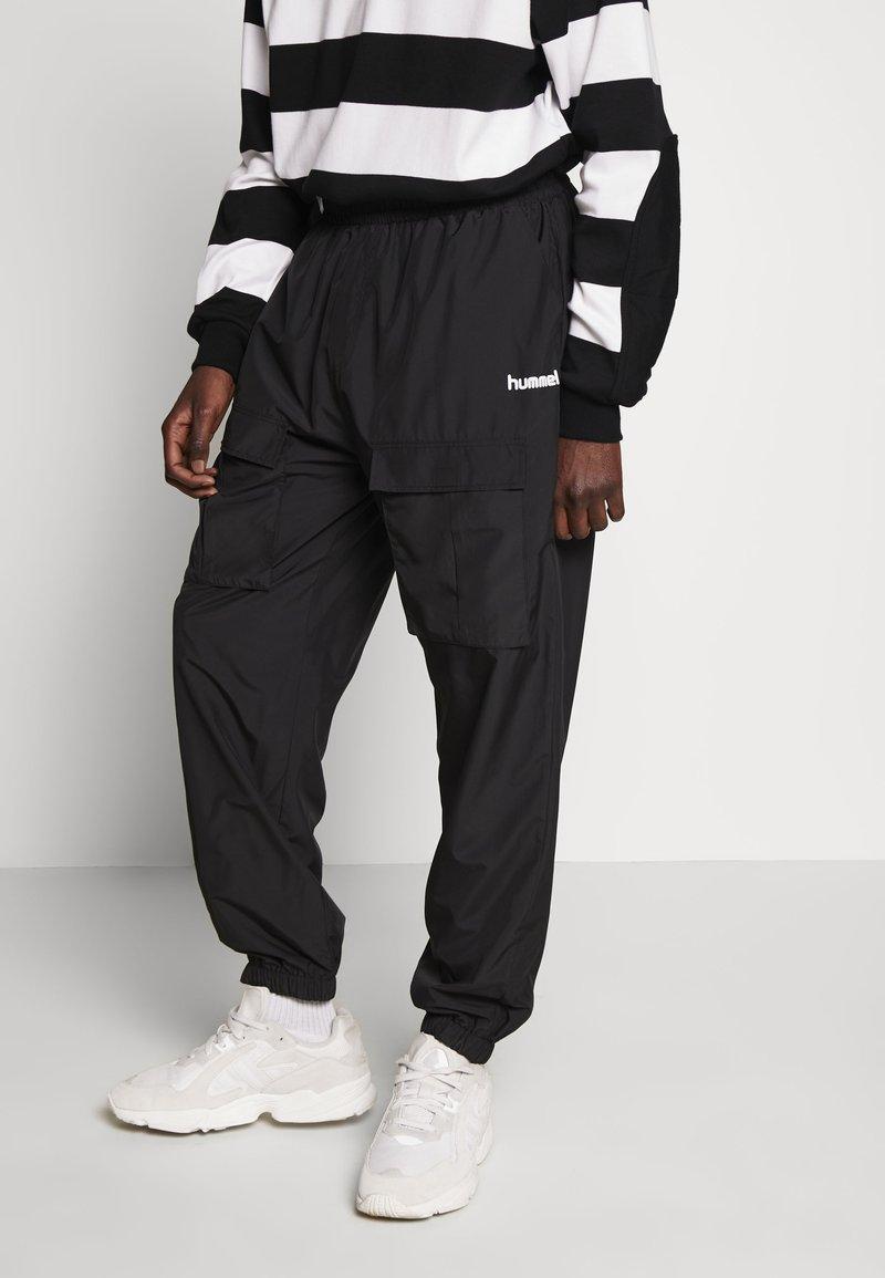 Hummel Hive - OVERSIZED PANTS - Pantalones - black