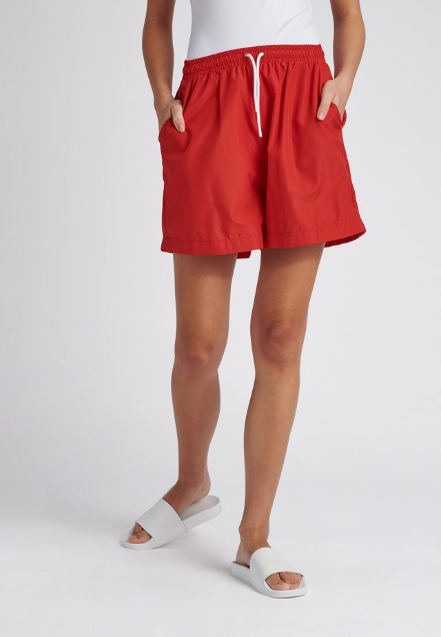 Sports shorts - true red