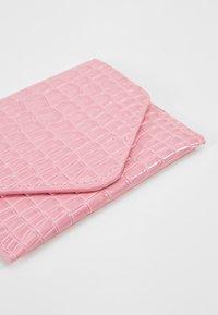 HVISK - WALLET  - Lommebok - pink - 2