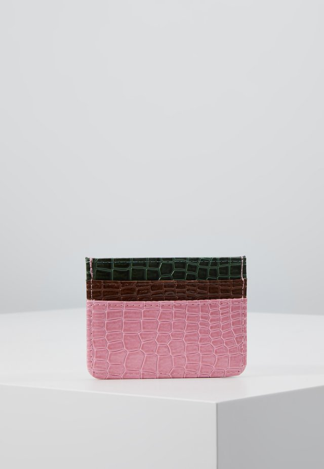 CARD HOLDER CROCO - Wallet - pink