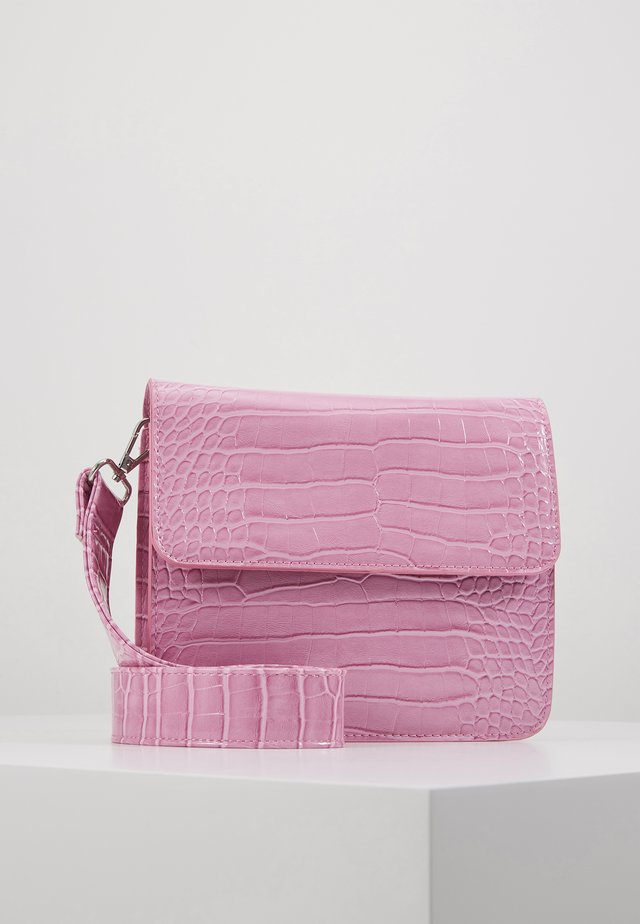 CAYMAN SHINY STRAP BAG - Across body bag - pastel purple