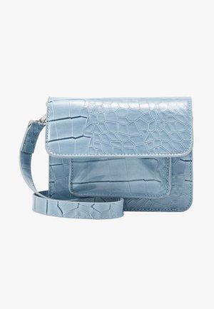 CAYMAN MINI - Olkalaukku - dusty blue