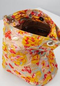 HVISK - NEAT  - Handbag - peach - 2