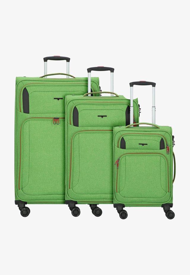 AIRSTREAM - Luggage set - bright green