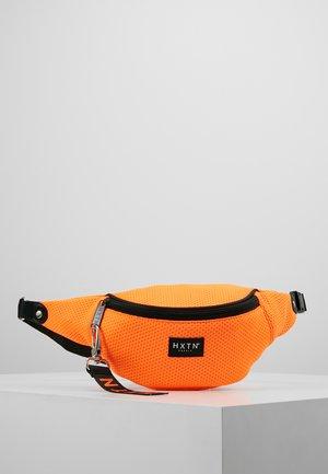 PRIME BUM BAG - Rumpetaske - neon orange