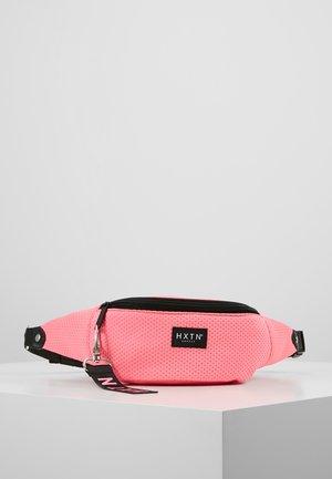 PRIME BUM BAG - Heuptas - neon pink