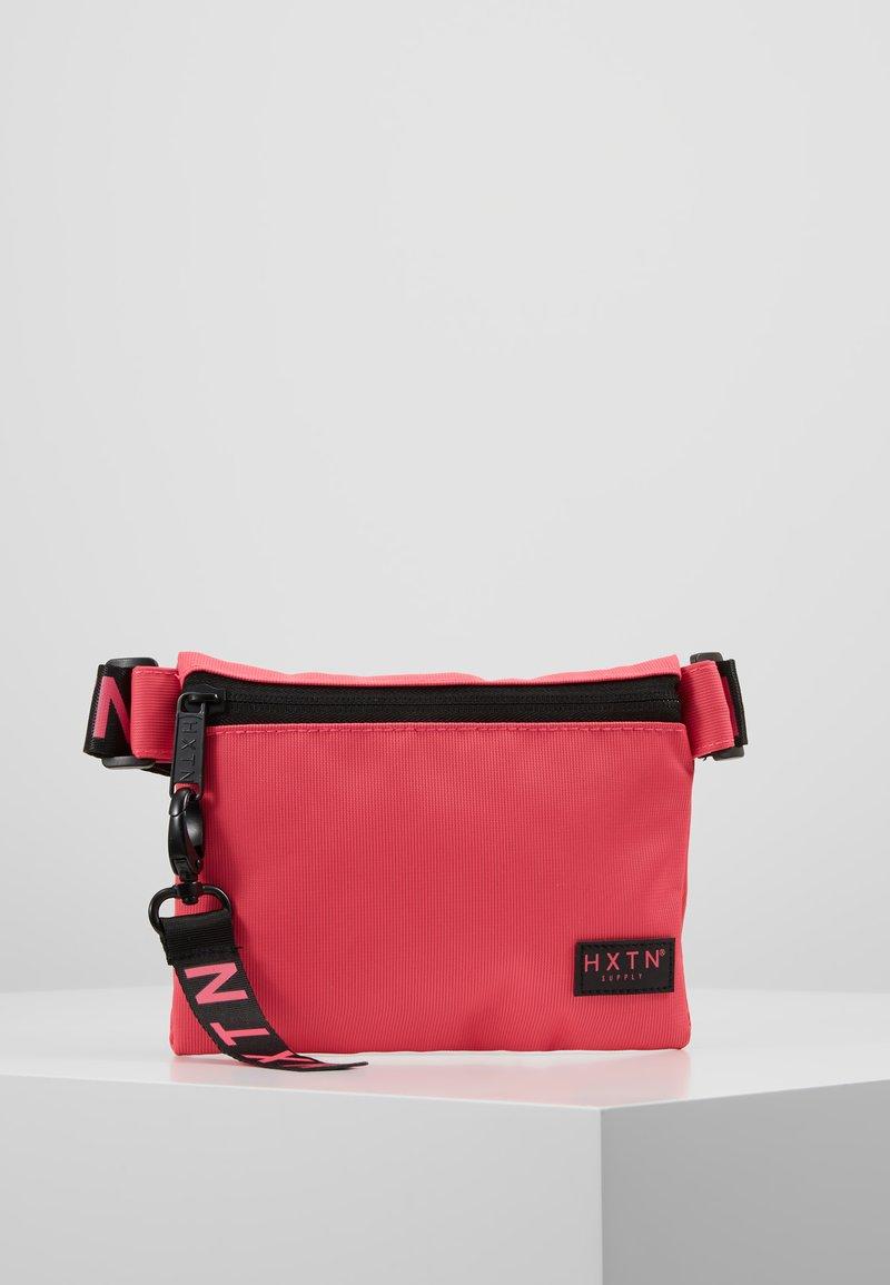 HXTN Supply - PRIME CROSSBODY - Rumpetaske - pink