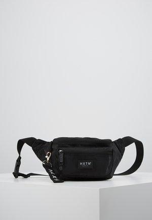 PRIME DELUXEBUM BAG - Riñonera - black