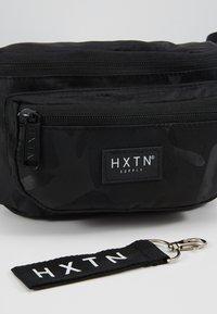 HXTN Supply - PRIME DELUXEBUM BAG - Heuptas - black - 6