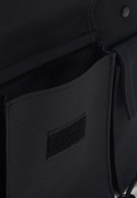 HXTN Supply - DELTA PRIME BODY BAG - Olkalaukku - black - 2