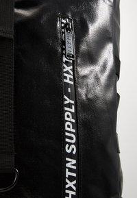 HXTN Supply - UTILTIY LANDSCAPE ROLL BAG - Rucksack - black - 3