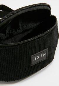 HXTN Supply - ONE BUM BAG - Sac banane - black - 4