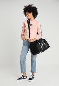 HXTN Supply - PRIME DUFFLE - Sportovní taška - black - 5