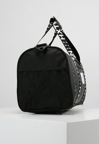 HXTN Supply - PRIME DUFFLE - Sportväska - black - 3