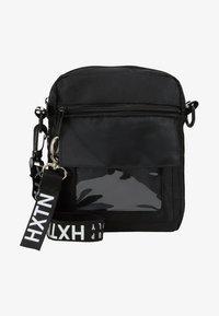 HXTN Supply - PRIME WINDOW SHOULDER - Umhängetasche - black - 6