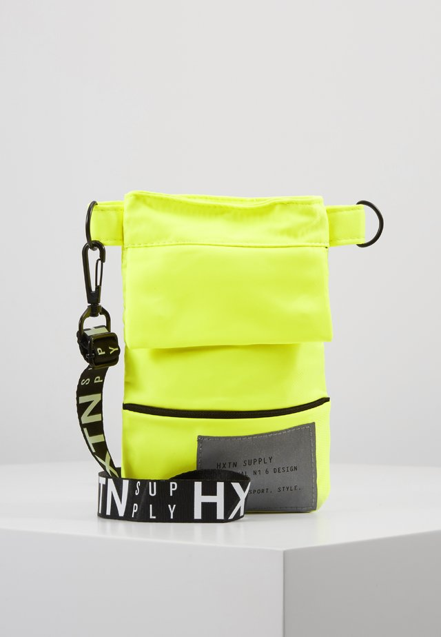 PRIME SHOULDER POUCH - Sac bandoulière - neon yellow