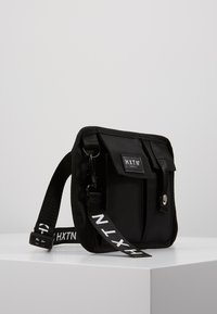 HXTN Supply - PRIME FACTION CROSSBODY - Rumpetaske - black - 3