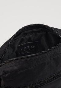 HXTN Supply - UTILITY INDICATOR - Across body bag - black - 5