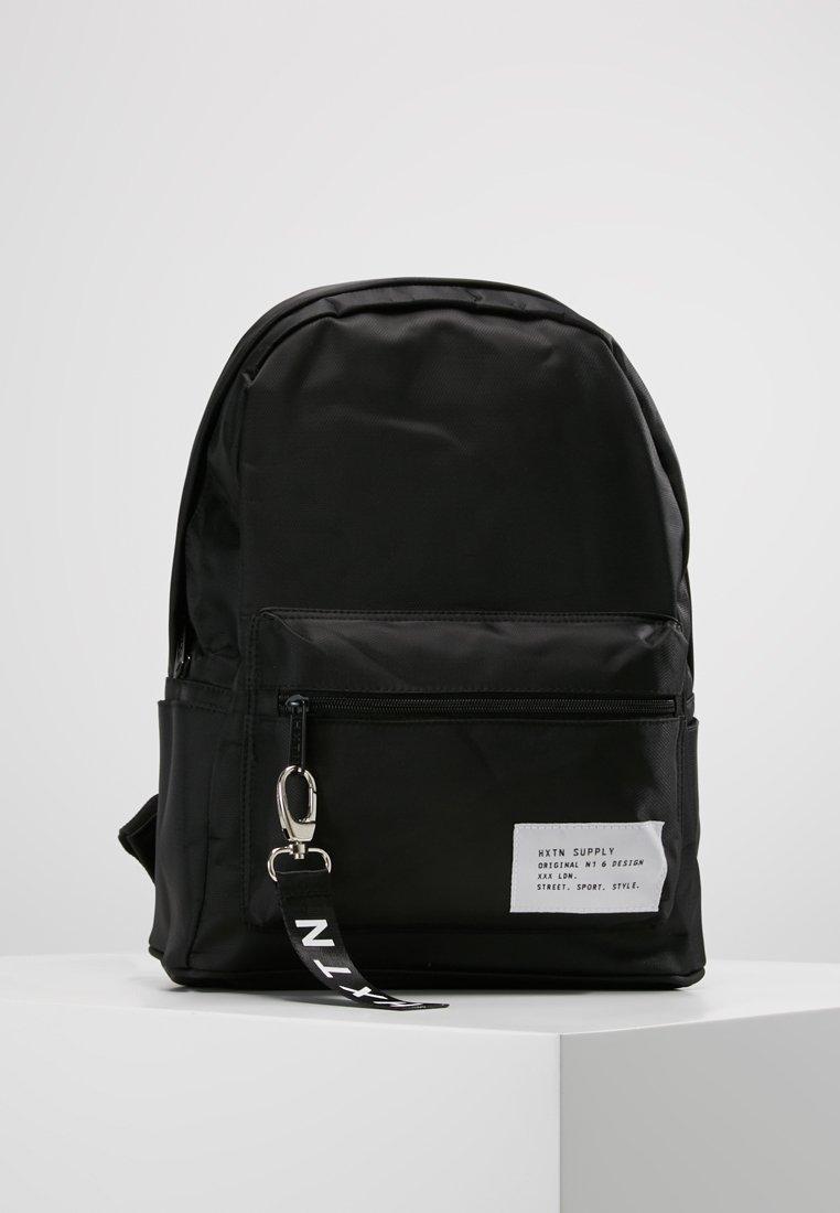 HXTN Supply - PRIME - Batoh - black/white stamp
