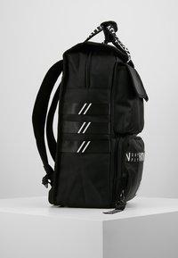 HXTN Supply - UTILITY TRAVELLER - Batoh - black - 3