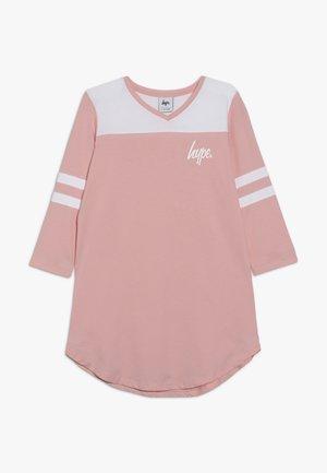 KIDS TEE DRESS HOCKEY - Žerzejové šaty - pink