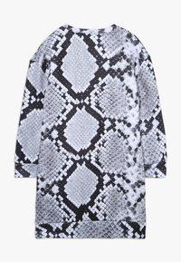 Hype - KIDS DRESS MONO SNAKE - Day dress - grey - 1