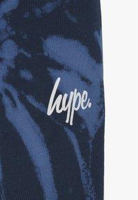 Hype - KIDS TIE DYE - Pantalones deportivos - blue - 4