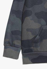 Hype - KIDS OVERHEAD HOODIE CAMO BOX LOGO - Jersey con capucha - khaki - 2