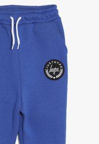 Hype - KIDS CREST - Pantalones deportivos - blue - 3