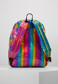 Hype - BACKPACK RAINBOW HOLOGRAPHIC - Ryggsekk - multi - 3