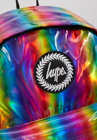 Hype - BACKPACK RAINBOW HOLOGRAPHIC - Ryggsekk - multi - 2