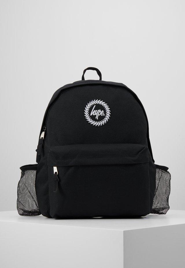 CREST SET - Tagesrucksack - black