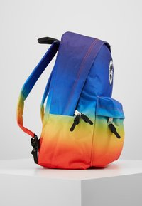 Hype - BACKPAC RAINBOW FADE - Mochila - multi-coloured - 4