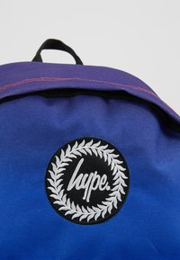 Hype - BACKPAC RAINBOW FADE - Mochila - multi-coloured - 2