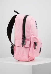Hype - BACKPACK MIDI - Ryggsäck - pink - 4
