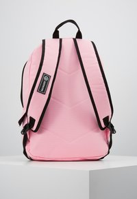 Hype - BACKPACK MIDI - Ryggsäck - pink - 3