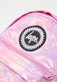 Hype - BACKPACK HOLO MINI - Rucksack - pink - 2