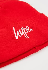 Hype - BEANIE SCRIPT - Berretto - red - 2