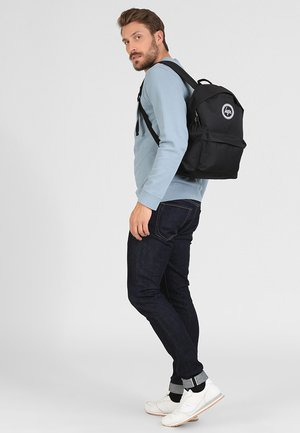 BADGE BACKPACK - Plecak - black